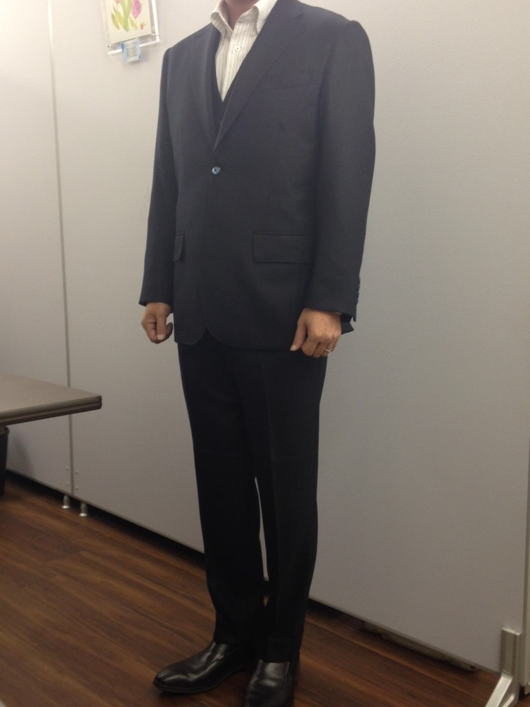 32-768x1024 オーダースーツ- Ermenegildo Zegna Heritage スリーピース- 名古屋の完全予約制オーダースーツ専門店DEFFERT