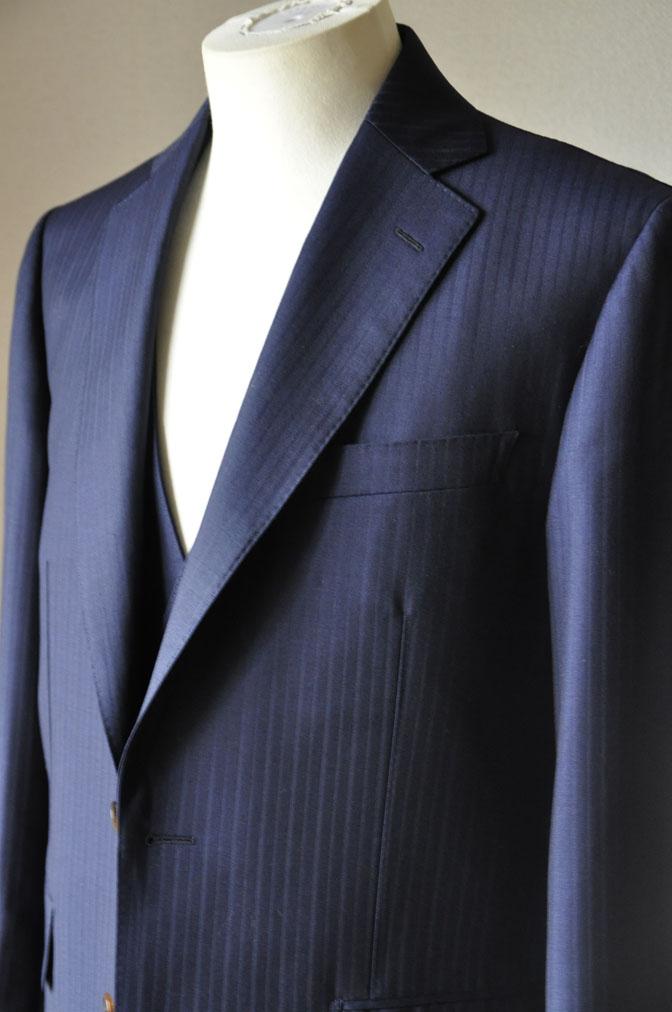 484b427da7e927b5f040393615f9e0b4 お客様のスーツの紹介-御幸毛織 ネイビーシャドーストライプ-