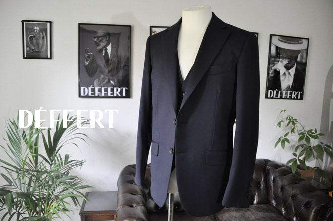 5b131b522858d838d71e3566b672f571 お客様のスーツの紹介-Biellesi 無地ネイビー スリーピース -