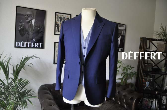 96b49b90d0b8b8d52d90b09a7f70ca56 お客様のウエディング衣装の紹介-Biellesi 無地ネイビースーツ ブルーストライプベスト-