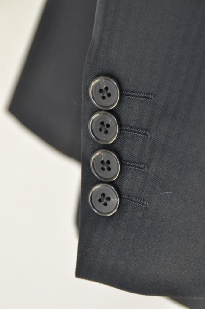 DSC0001 お客様のスーツの紹介-CANONICO ブラックシャドーストライプスリーピース-