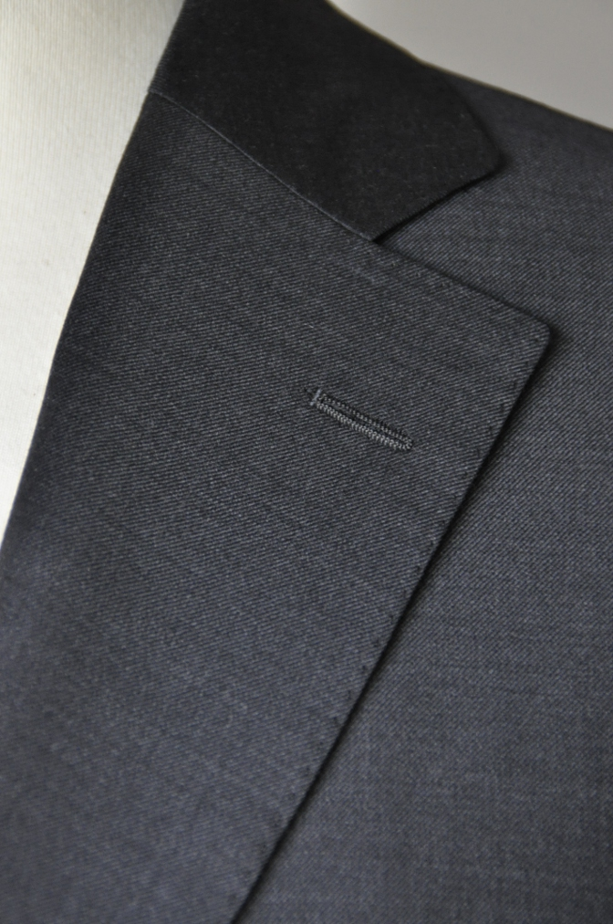 DSC0003 お客様のスーツの紹介- Ermenegild Zegna チャコールグレー-