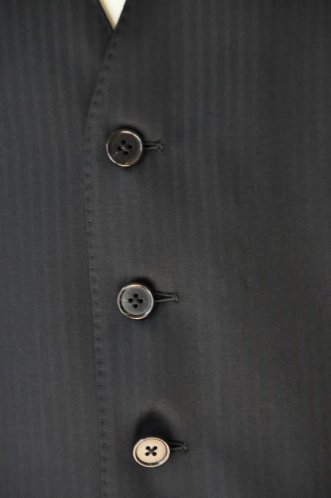 DSC00031 お客様のスーツの紹介-CANONICO ブラックシャドーストライプスリーピース-