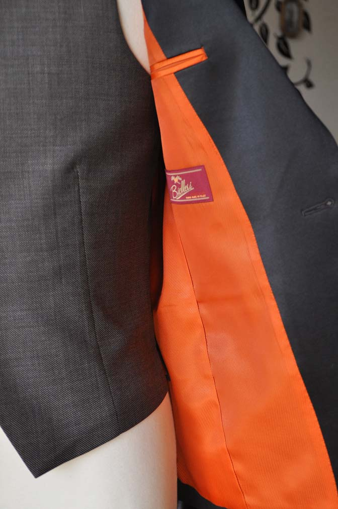 DSC0006-5 お客様のウエディング衣装の紹介- Biellesiブラウンタキシード-