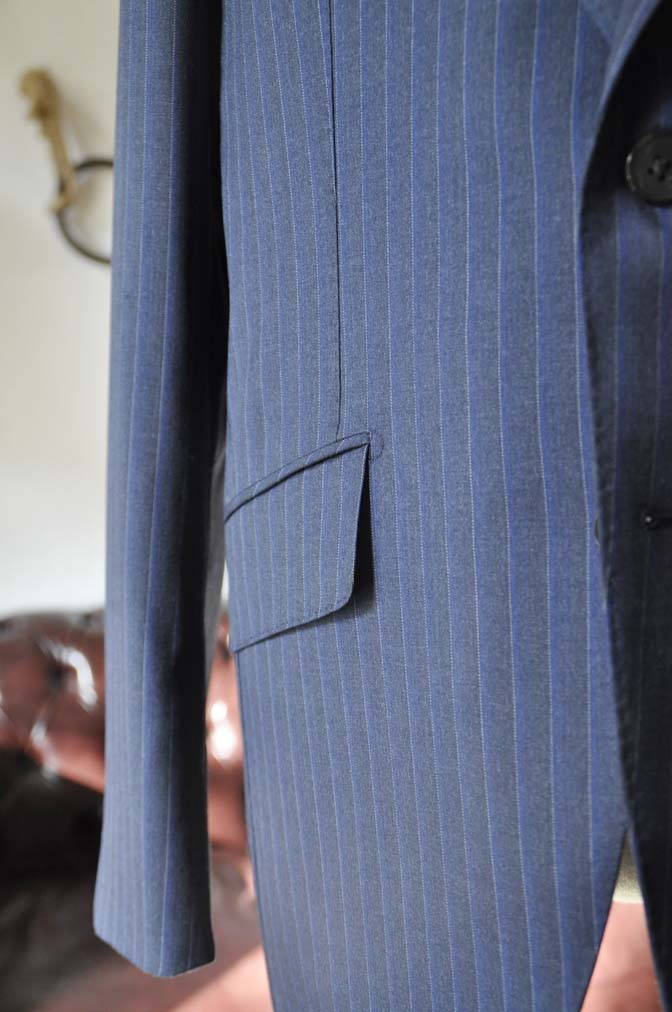 DSC0016-1 お客様のスーツの紹介-Biellesi ネイビーストライプスーツ-