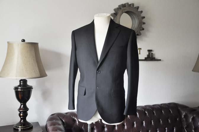 DSC0029-1 お客様のスーツの紹介- 御幸毛織 ブラックスーツ-