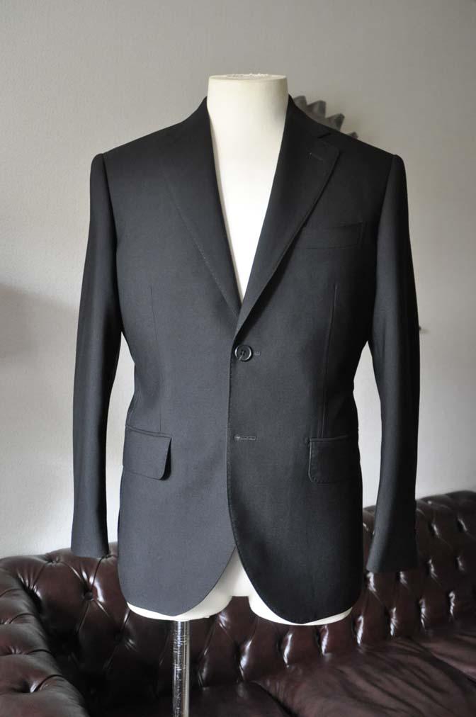 DSC0030-1 お客様のスーツの紹介- 御幸毛織 ブラックスーツ-