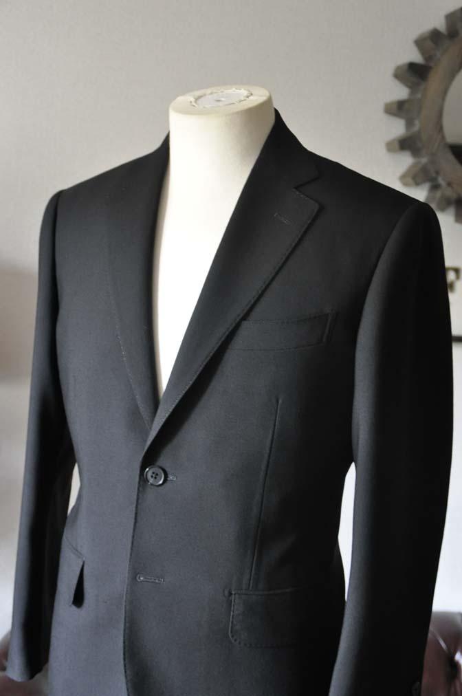 DSC0031-1 お客様のスーツの紹介- 御幸毛織 ブラックスーツ-