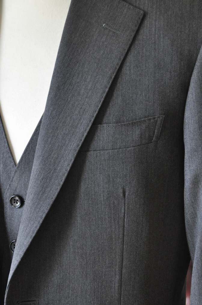 DSC0031-3 お客様のスーツの紹介-Biellesiグレーヘリンボーン スリーピース-