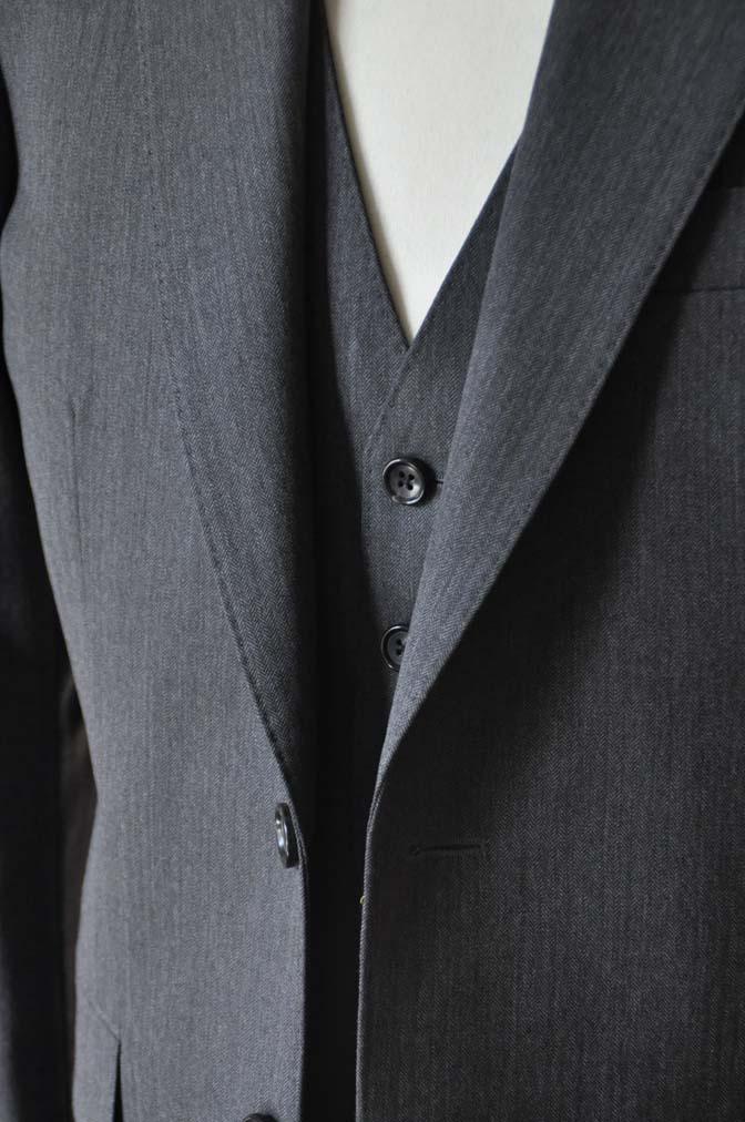 DSC0032-4 お客様のスーツの紹介-Biellesiグレーヘリンボーン スリーピース-
