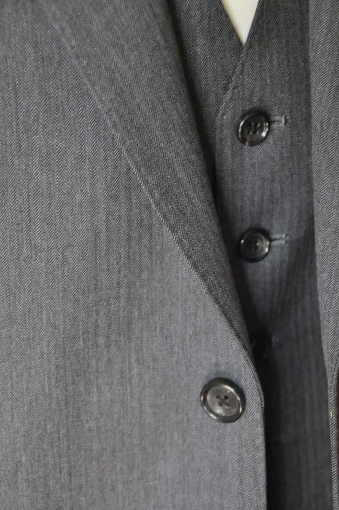DSC0033-3 お客様のスーツの紹介-Biellesiグレーヘリンボーン スリーピース-