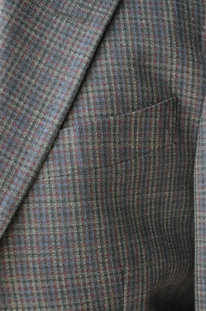 DSC00341 お客様のスーツの紹介-チェック柄ダブルジレスリーピース-