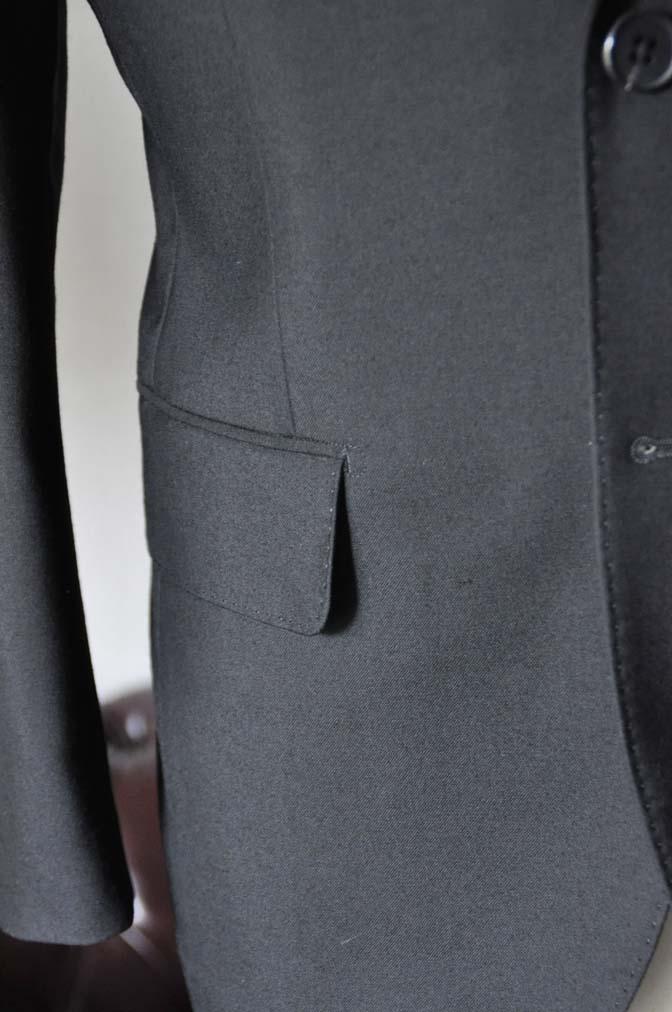 DSC0035-2 お客様のスーツの紹介- 御幸毛織 ブラックスーツ-