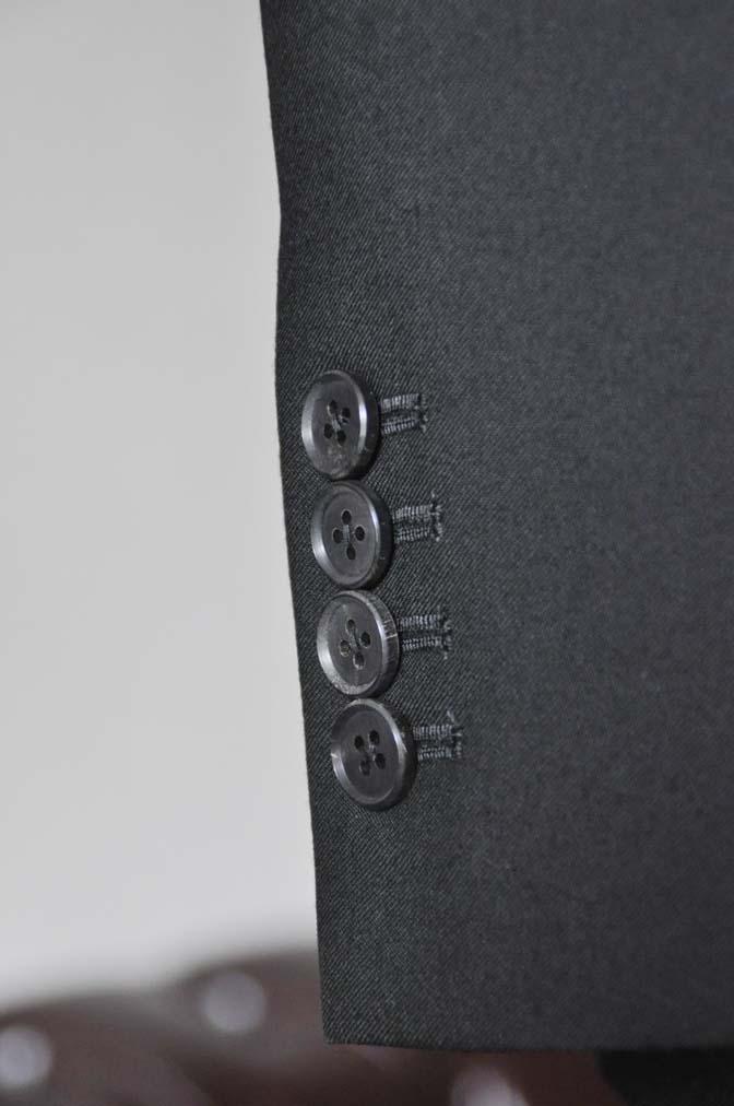 DSC0036-2 お客様のスーツの紹介- 御幸毛織 ブラックスーツ-