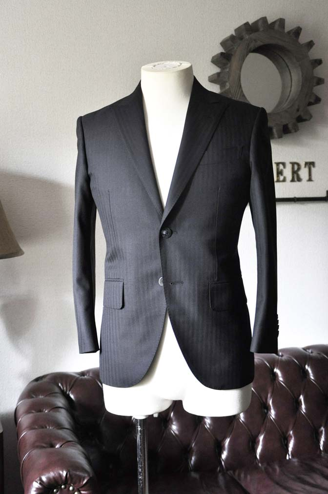 DSC0036-3 お客様のスーツの紹介-ブラックヘリンボーンスーツ- 名古屋の完全予約制オーダースーツ専門店DEFFERT