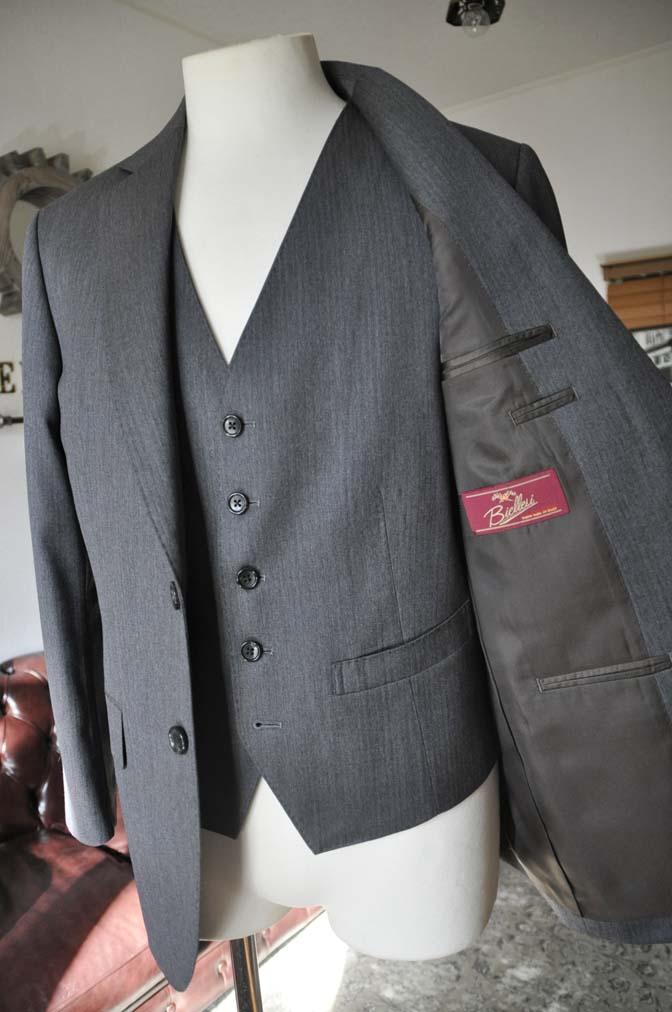 DSC0037-4 お客様のスーツの紹介-Biellesiグレーヘリンボーン スリーピース-