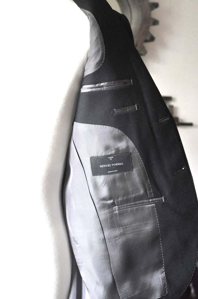 DSC0038-3 お客様のスーツの紹介- 御幸毛織 ブラックスーツ-
