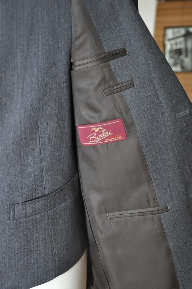 DSC0038-5 お客様のスーツの紹介-Biellesiグレーヘリンボーン スリーピース-
