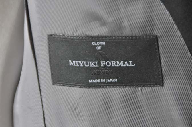 DSC0040-2 お客様のスーツの紹介- 御幸毛織 ブラックスーツ-
