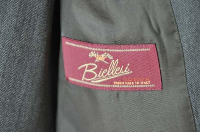 DSC0040-4 お客様のスーツの紹介-Biellesiグレーヘリンボーン スリーピース-