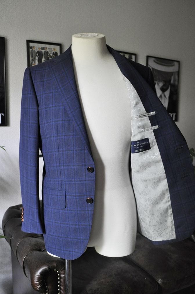 DSC00452 お客様のスーツの紹介-HOLLAND&SHERRY Cool Breezeネイビーチェックスーツ- 名古屋の完全予約制オーダースーツ専門店DEFFERT