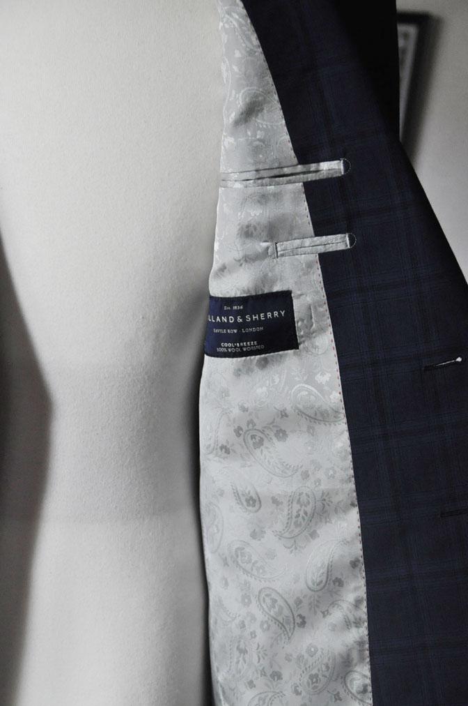 DSC00463 お客様のスーツの紹介-HOLLAND&SHERRY Cool Breezeネイビーチェックスーツ- 名古屋の完全予約制オーダースーツ専門店DEFFERT