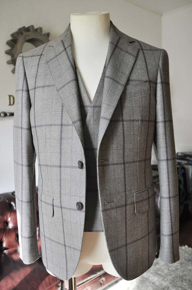 DSC0048-3 お客様のスーツの紹介- DARROW DALE ブラウンチェックスリーピース-