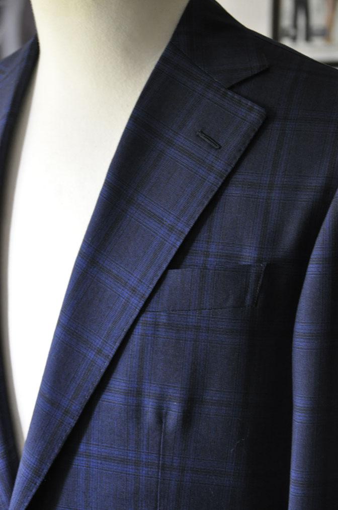 DSC00482 お客様のスーツの紹介-HOLLAND&SHERRY Cool Breezeネイビーチェックスーツ- 名古屋の完全予約制オーダースーツ専門店DEFFERT