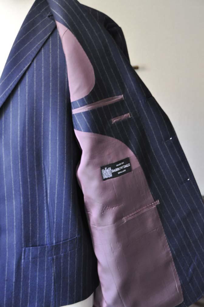 DSC0050-1 お客様のスーツの紹介- DARROW DALE ネイビーストライプスリーピーススーツ-