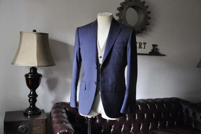 DSC0052-1 お客様のウエディング衣装の紹介-Biellesi ネイビースーツ ベージュベスト-DSC0052-1 お客様のウエディング衣装の紹介-Biellesi ネイビースーツ ベージュベスト- 名古屋市のオーダータキシードはSTAIRSへ