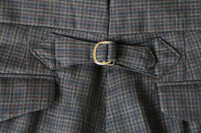 DSC00541 お客様のスーツの紹介-チェック柄ダブルジレスリーピース-