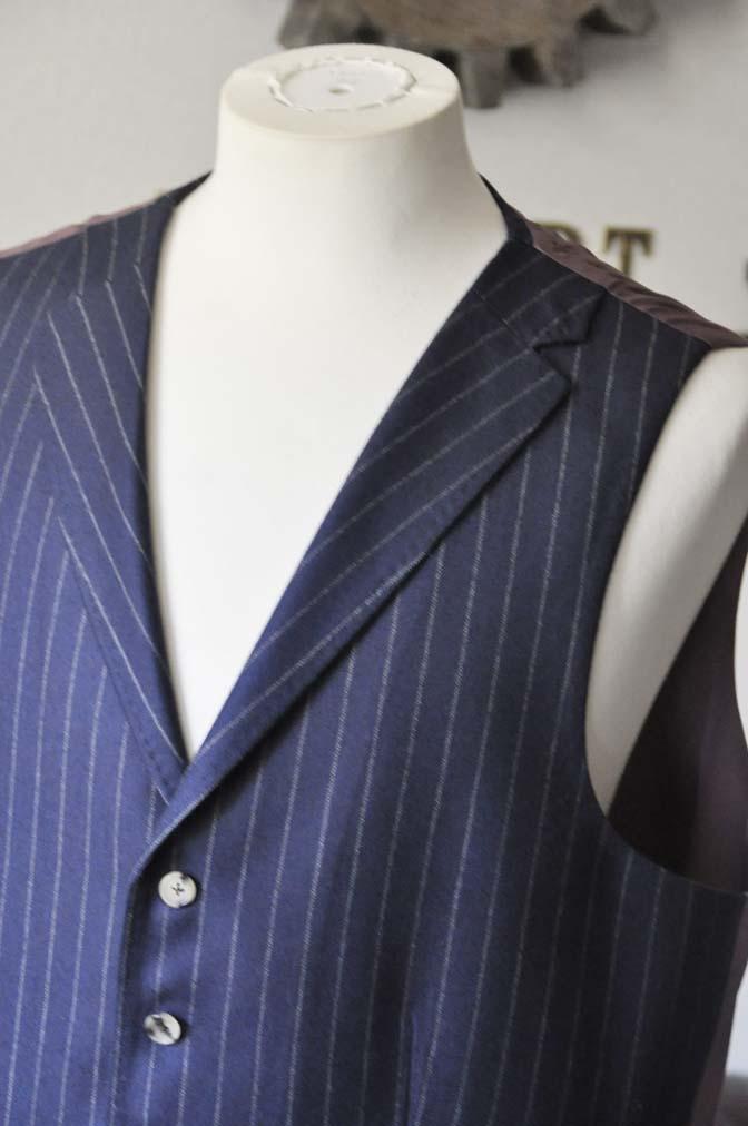 DSC0055-1 お客様のスーツの紹介- DARROW DALE ネイビーストライプスリーピーススーツ-