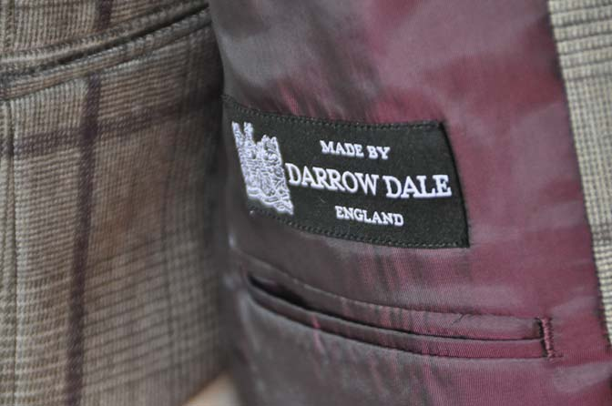 DSC0058-1 お客様のスーツの紹介- DARROW DALE ブラウンチェックスリーピース-
