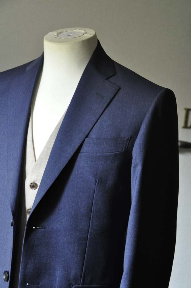 DSC0062-2 お客様のウエディング衣装の紹介-Biellesi ネイビースーツ ベージュベスト-DSC0062-2 お客様のウエディング衣装の紹介-Biellesi ネイビースーツ ベージュベスト- 名古屋市のオーダータキシードはSTAIRSへ