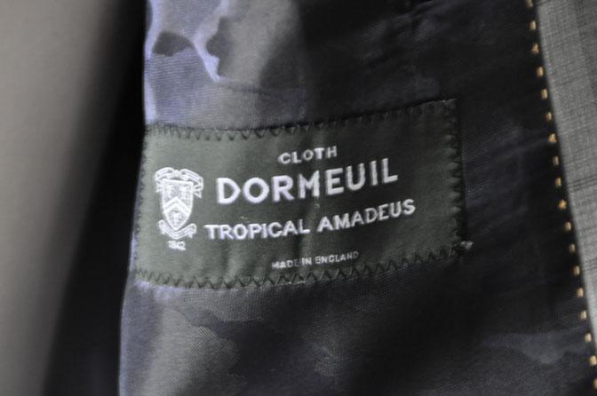 DSC00653 お客様のスーツの紹介-DORMEUIL Tropical Amadeus グレーチェック -
