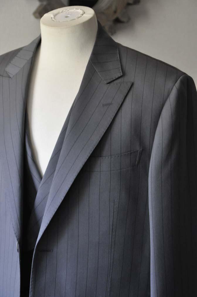 DSC0066-1 お客様のスーツの紹介- Biellesi グレーストライプスリーピース-