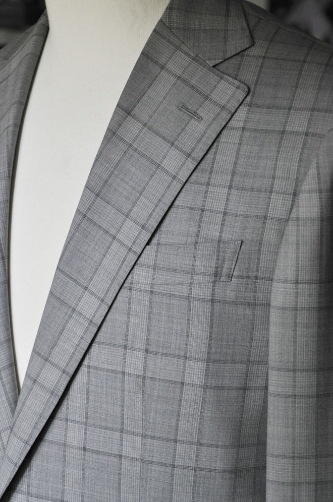 DSC00663 お客様のスーツの紹介-DORMEUIL Tropical Amadeus グレーチェック -