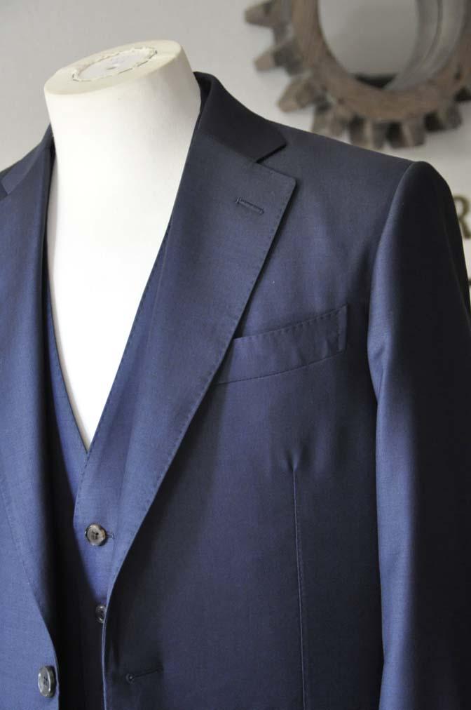 DSC0068-3 お客様のスーツの紹介- CANONICO無地ネイビー スリーピース-