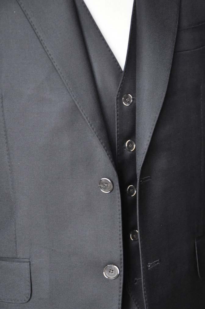 DSC0069-4 お客様のスーツの紹介-Loro Piana無地ブラック スリーピース-