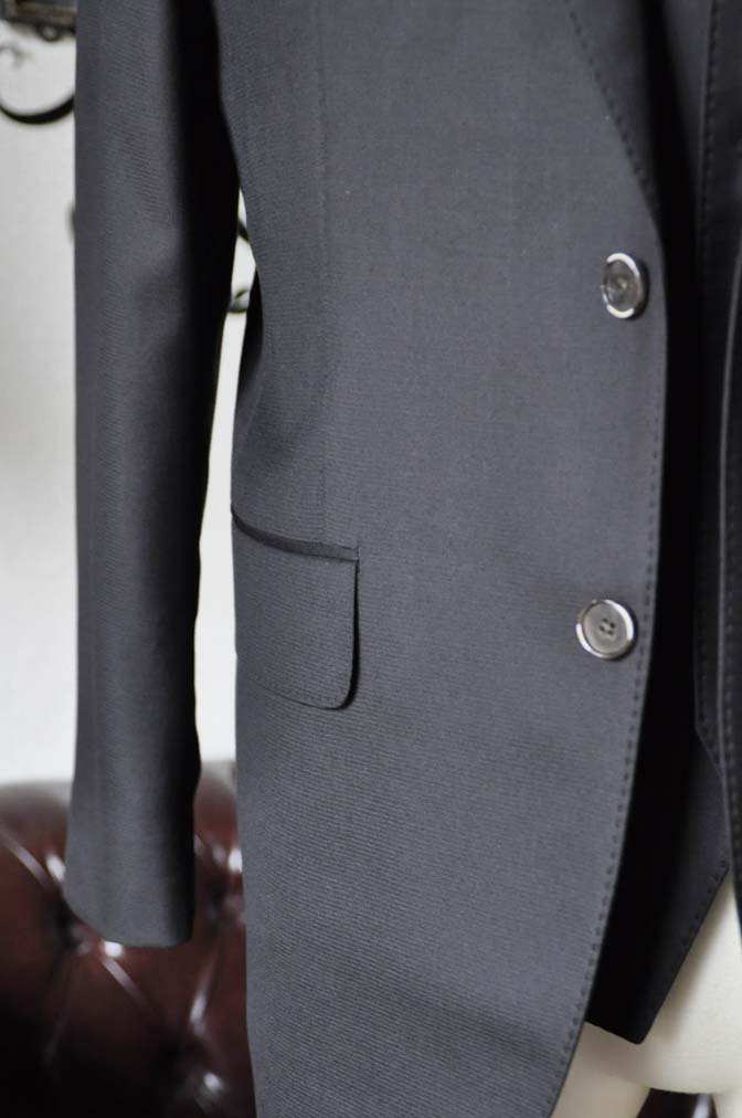 DSC0070-3 お客様のスーツの紹介-Loro Piana無地ブラック スリーピース-
