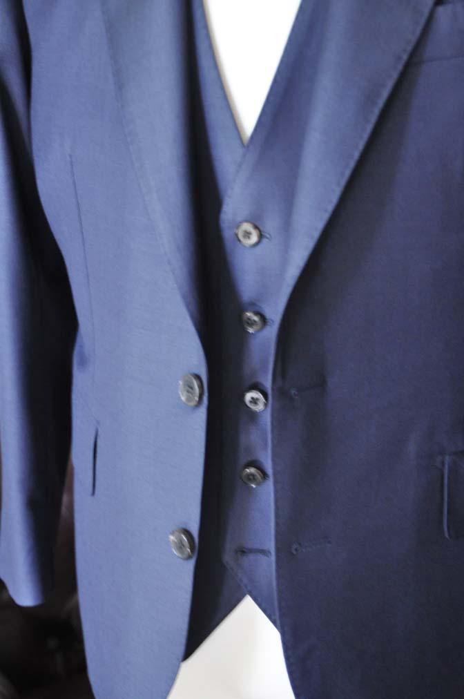 DSC0071-4 お客様のスーツの紹介- CANONICO無地ネイビー スリーピース-