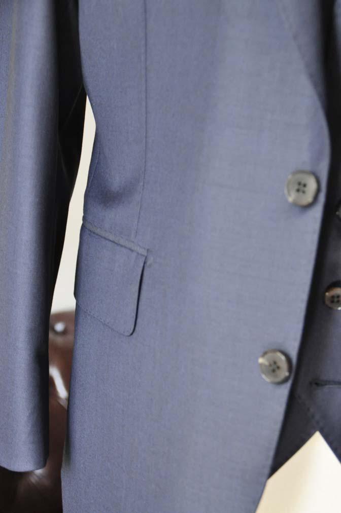 DSC0073-3 お客様のスーツの紹介- CANONICO無地ネイビー スリーピース-