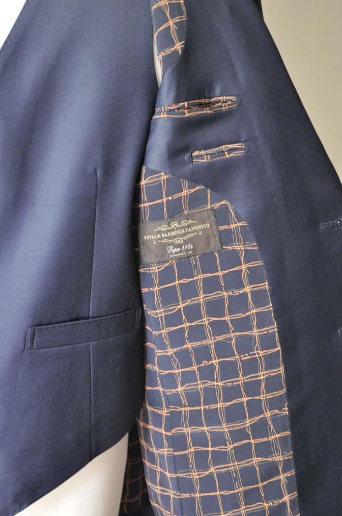 DSC0075-3 お客様のスーツの紹介- CANONICO無地ネイビー スリーピース-
