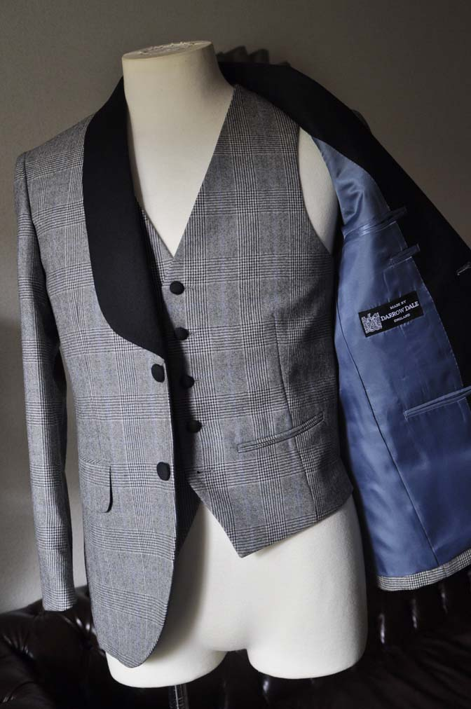DSC0081-2 お客様のウエディング衣装の紹介- DARROW DALEグレンチェックフランネルタキシード風衣装-DSC0081-2 お客様のウエディング衣装の紹介- DARROW DALEグレンチェックフランネルタキシード風衣装- 名古屋市のオーダータキシードはSTAIRSへ