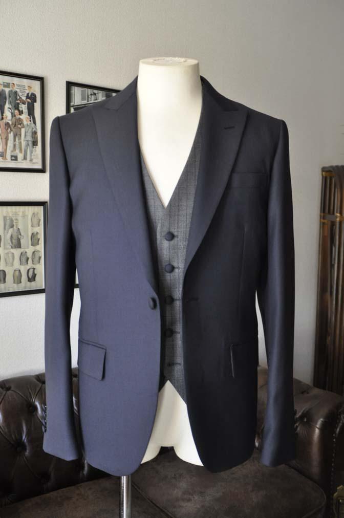 DSC00814 お客様のウエディング衣装の紹介- ネイビーバーズアイスーツ、グレーベスト-DSC00814 お客様のウエディング衣装の紹介- ネイビーバーズアイスーツ、グレーベスト- 名古屋市のオーダータキシードはSTAIRSへ