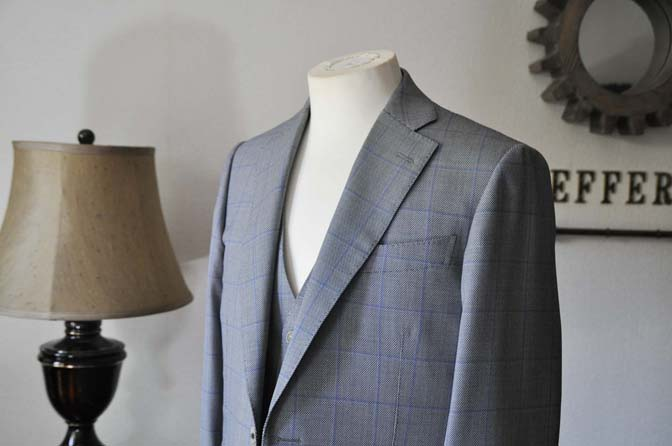 DSC0084-3 お客様のスーツの紹介- CARLO BARBERA グレーウィンドペン バーズアイ-