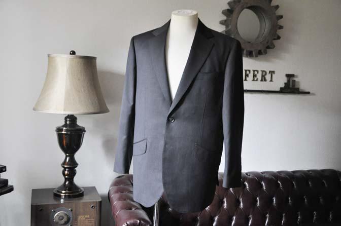 DSC0087-4 お客様のスーツの紹介-Biellesi無地グレースーツ-