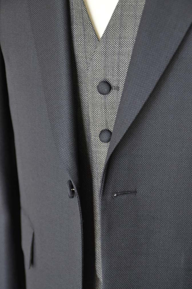 DSC00911 お客様のウエディング衣装の紹介- ネイビーバーズアイスーツ、グレーベスト-DSC00911 お客様のウエディング衣装の紹介- ネイビーバーズアイスーツ、グレーベスト- 名古屋市のオーダータキシードはSTAIRSへ
