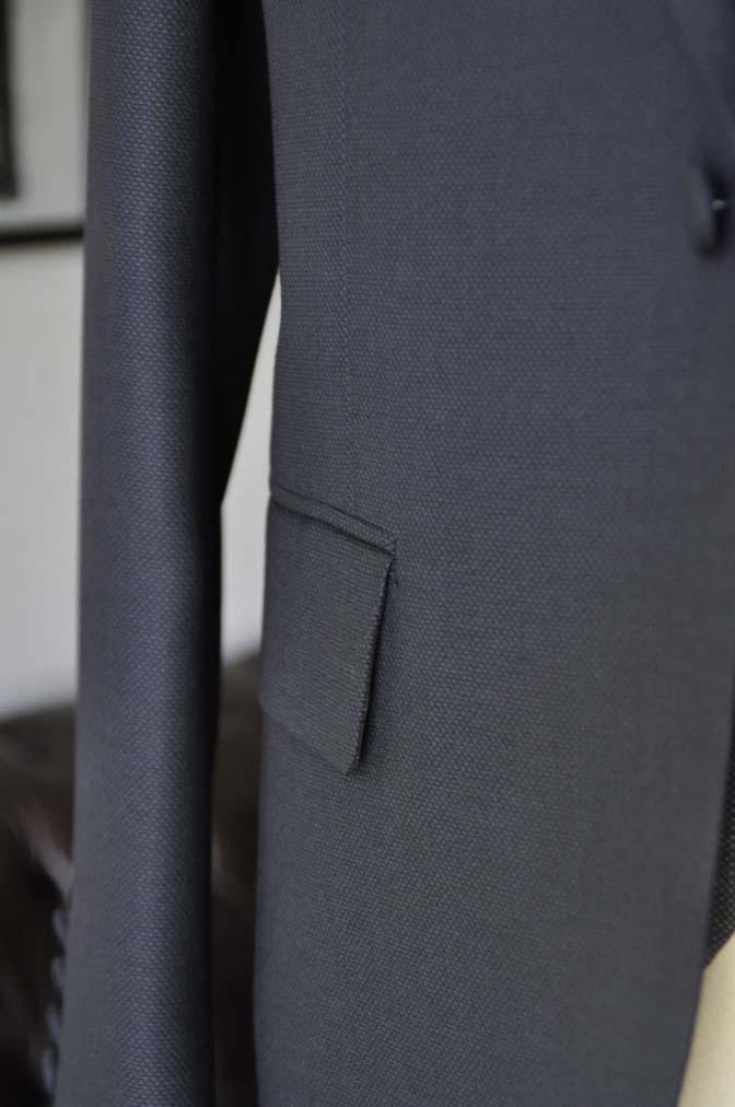 DSC00932 お客様のウエディング衣装の紹介- ネイビーバーズアイスーツ、グレーベスト-DSC00932 お客様のウエディング衣装の紹介- ネイビーバーズアイスーツ、グレーベスト- 名古屋市のオーダータキシードはSTAIRSへ