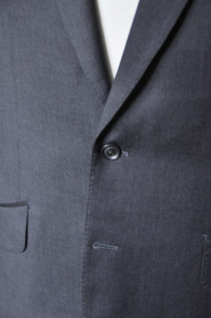 DSC0094-5 お客様のスーツの紹介-Biellesi無地グレースーツ-